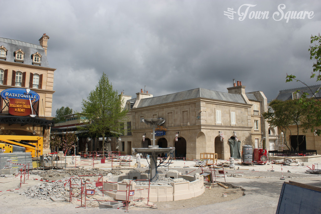 La Place de Rémy construction. Disneyland Paris new Ratatouille attraction