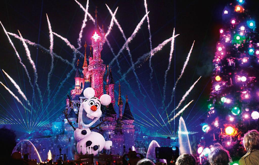Olaf during Disney Dreams! of Christmas
