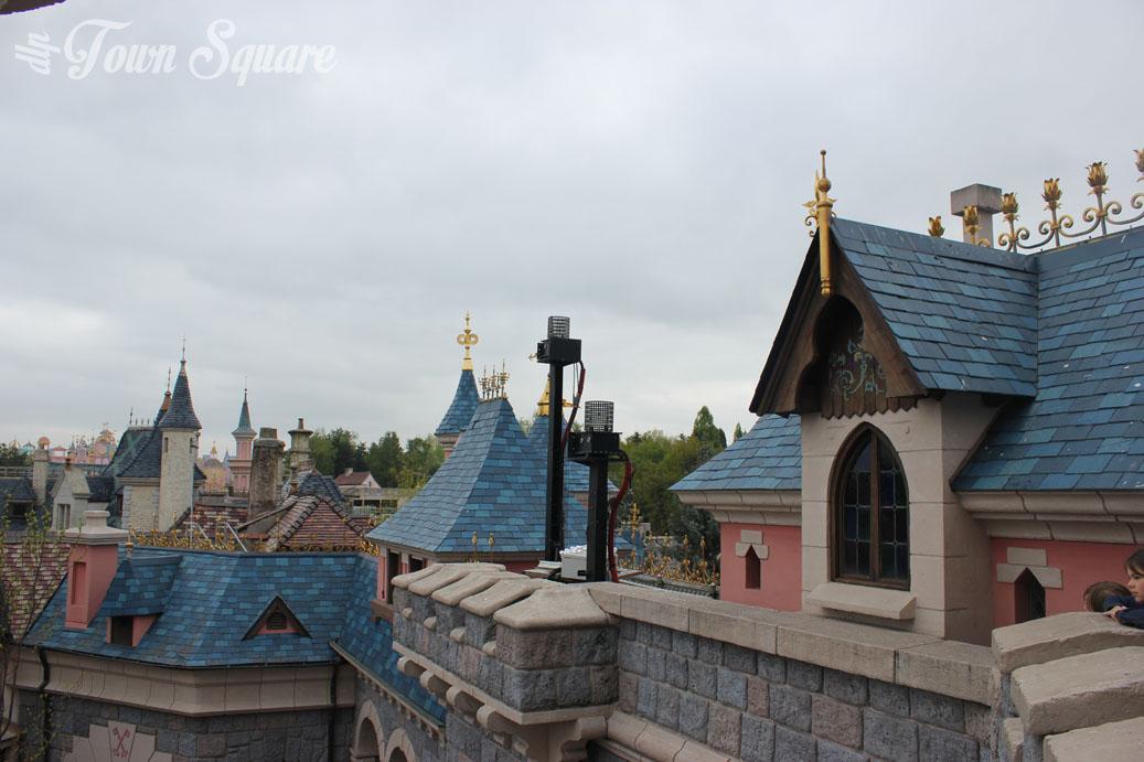 Coup de c ur le ch teau de la belle au bois dormant dlp town square disneyland paris news - Chateau la belle au bois dormant ...