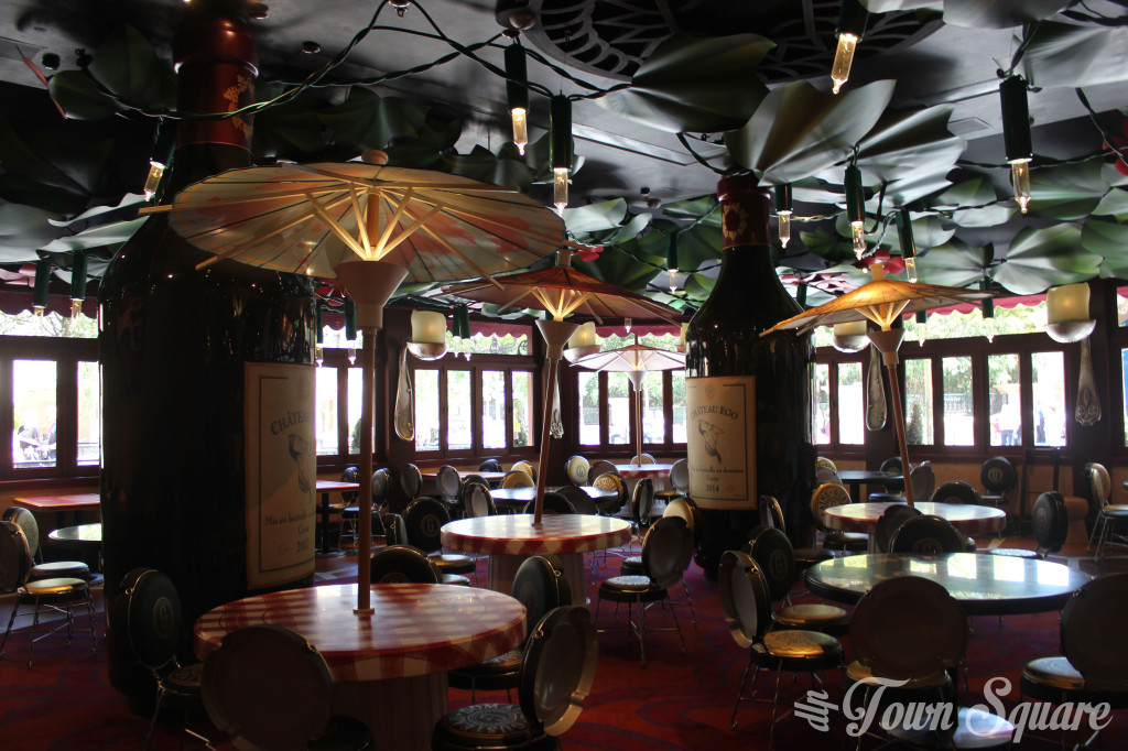 Le Bistrot Chez Rémy dining room at Disneyland Paris
