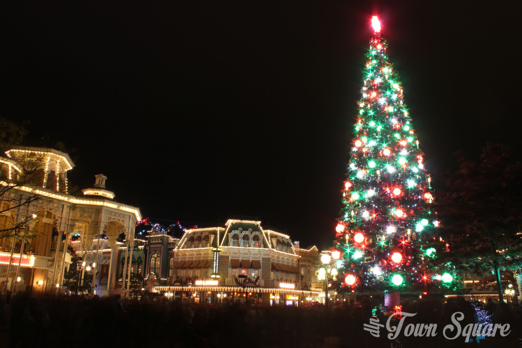 Town Square with Christmas Tree in Disneyland Paris