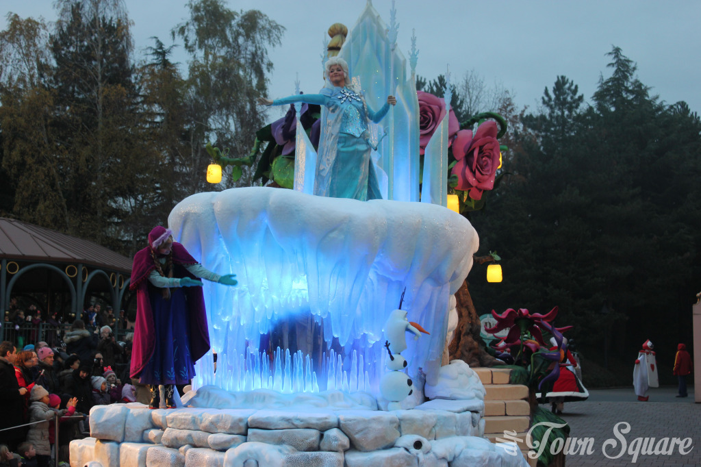 Frozen Float, Disney Magic on Parade in Disneyland Paris