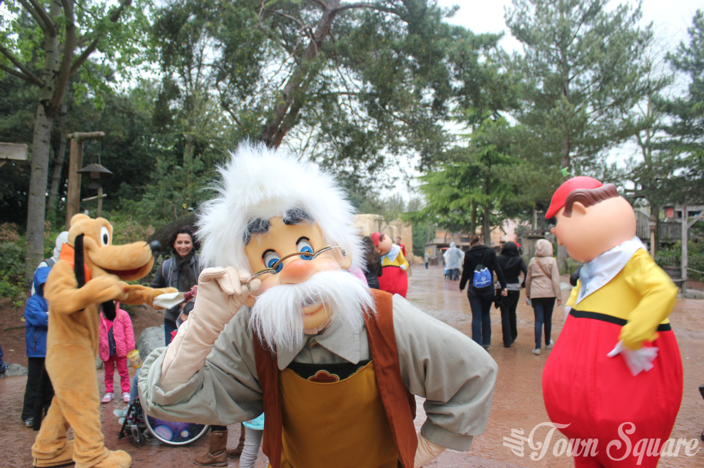 Gepetto in Frontierland at Disneyland Paris