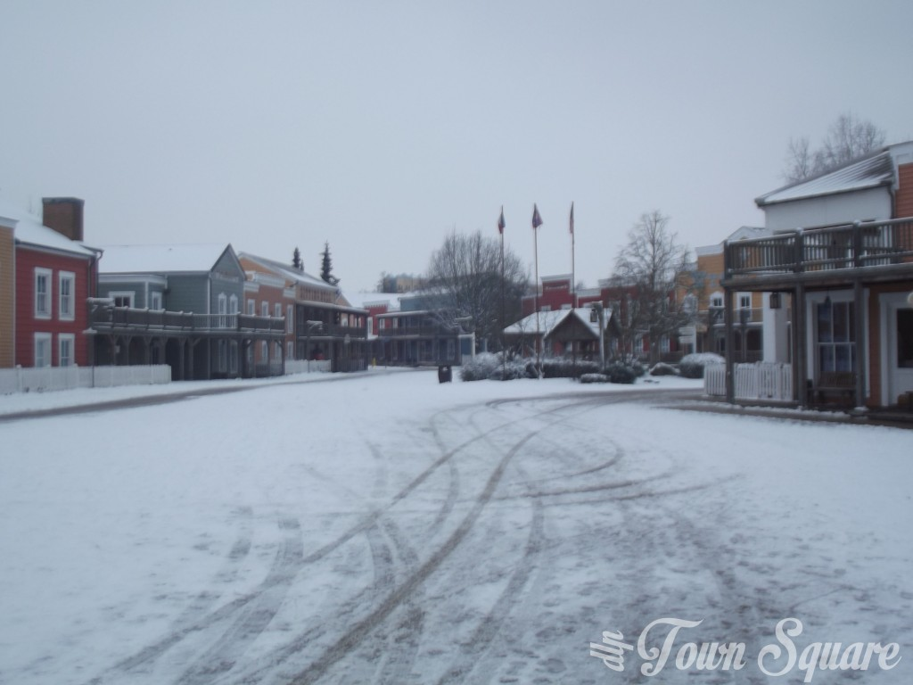 Hotel Cheyenne at Disneyland Paris in the snow