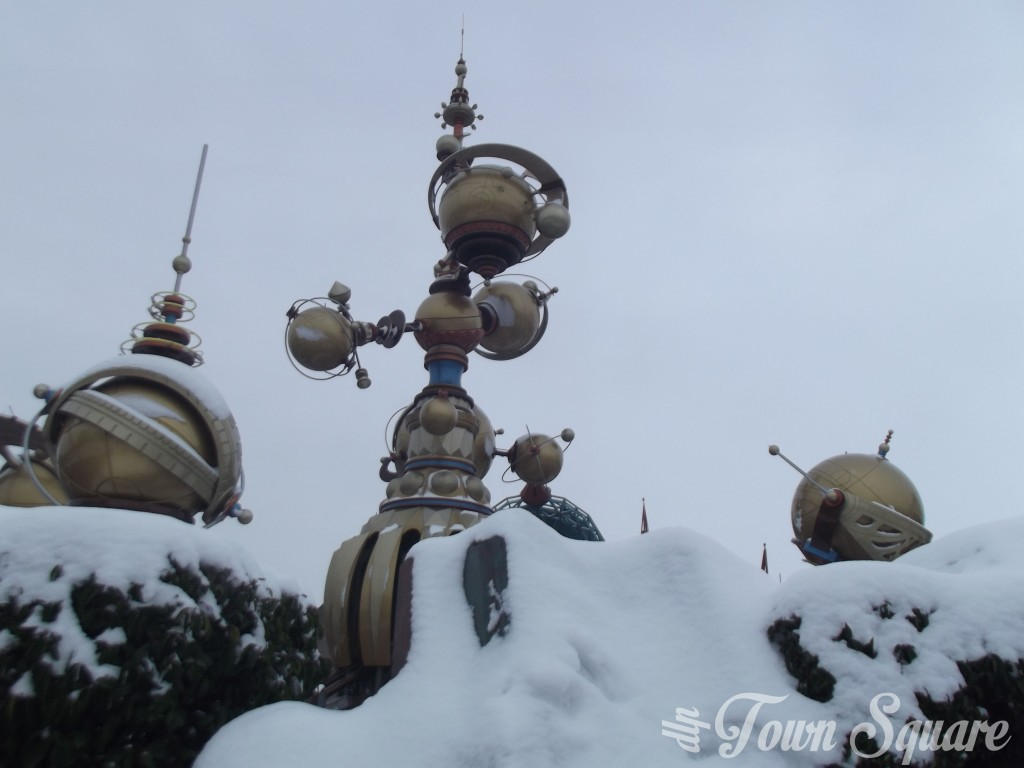 Discoveryland at Disneyland Paris in the snow
