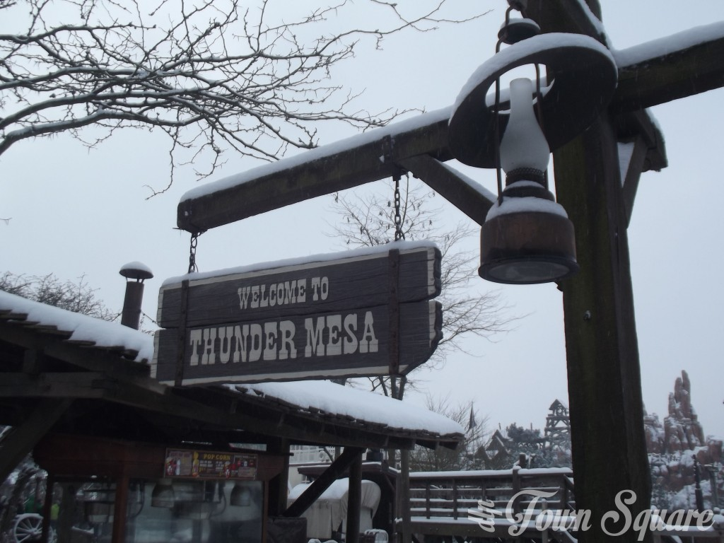 Frontierland in Disneyland Paris in the snow