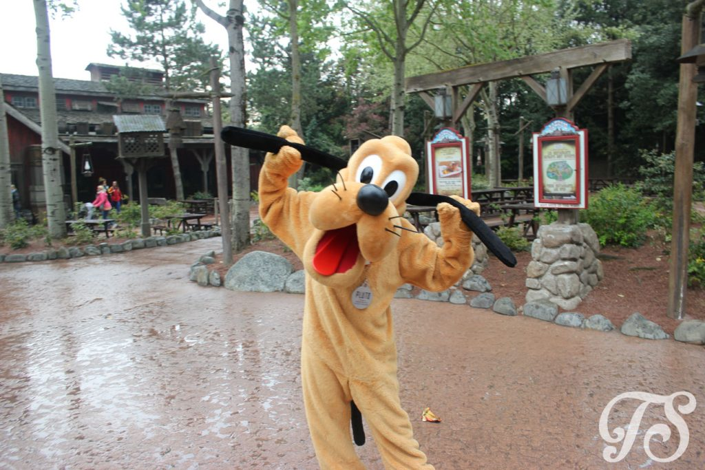 Pluto in Frontierland Disneyland Paris