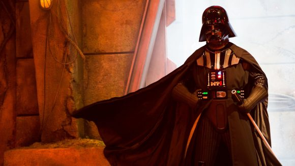 Darth-Vader-Season-of-the-force-DisneylandParis