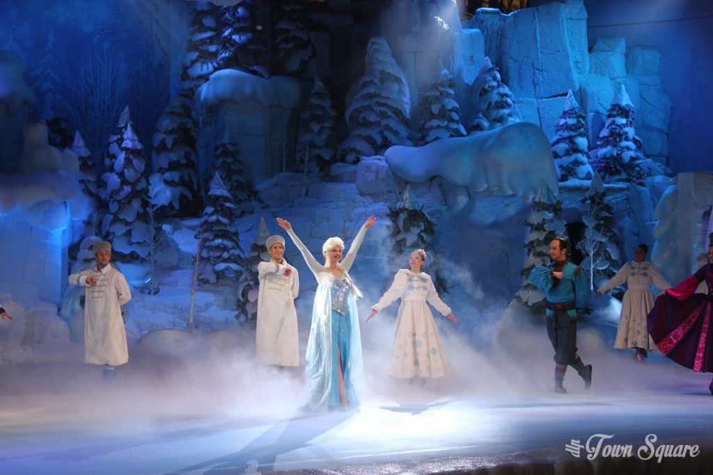Elsa in Frozen Sing along