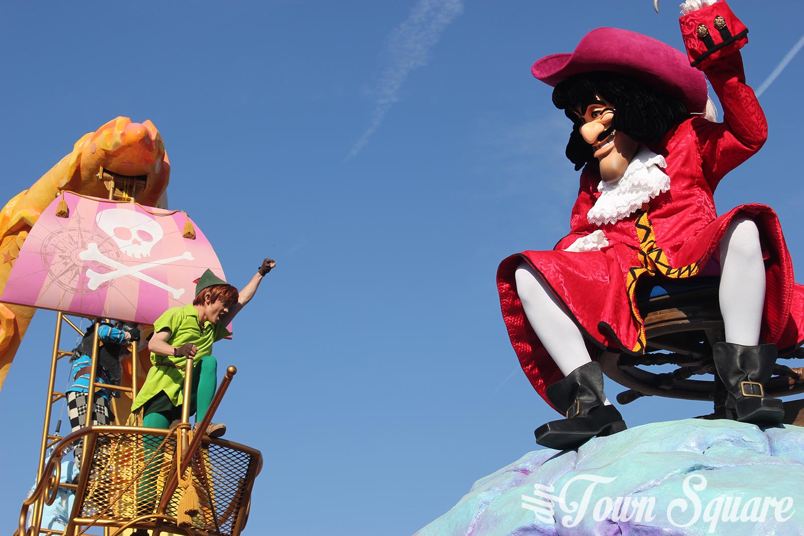Discover Imagination float in Disney Stars on Parade