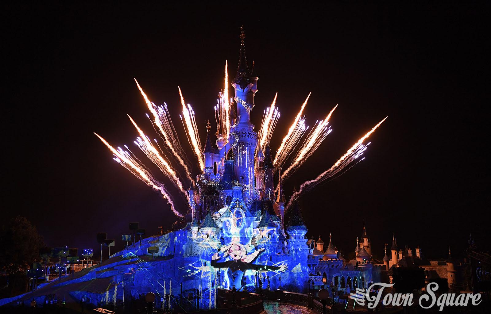 Disney illuminations good but not great dlp town square - Illumination noel paris 2017 ...