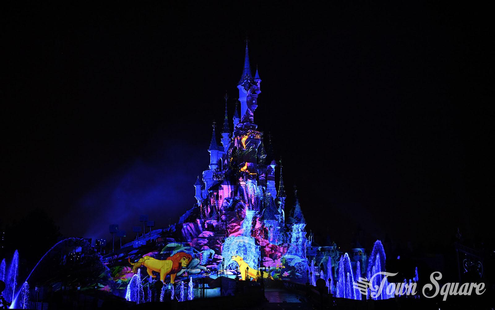 Lion King in Disney Illuminations