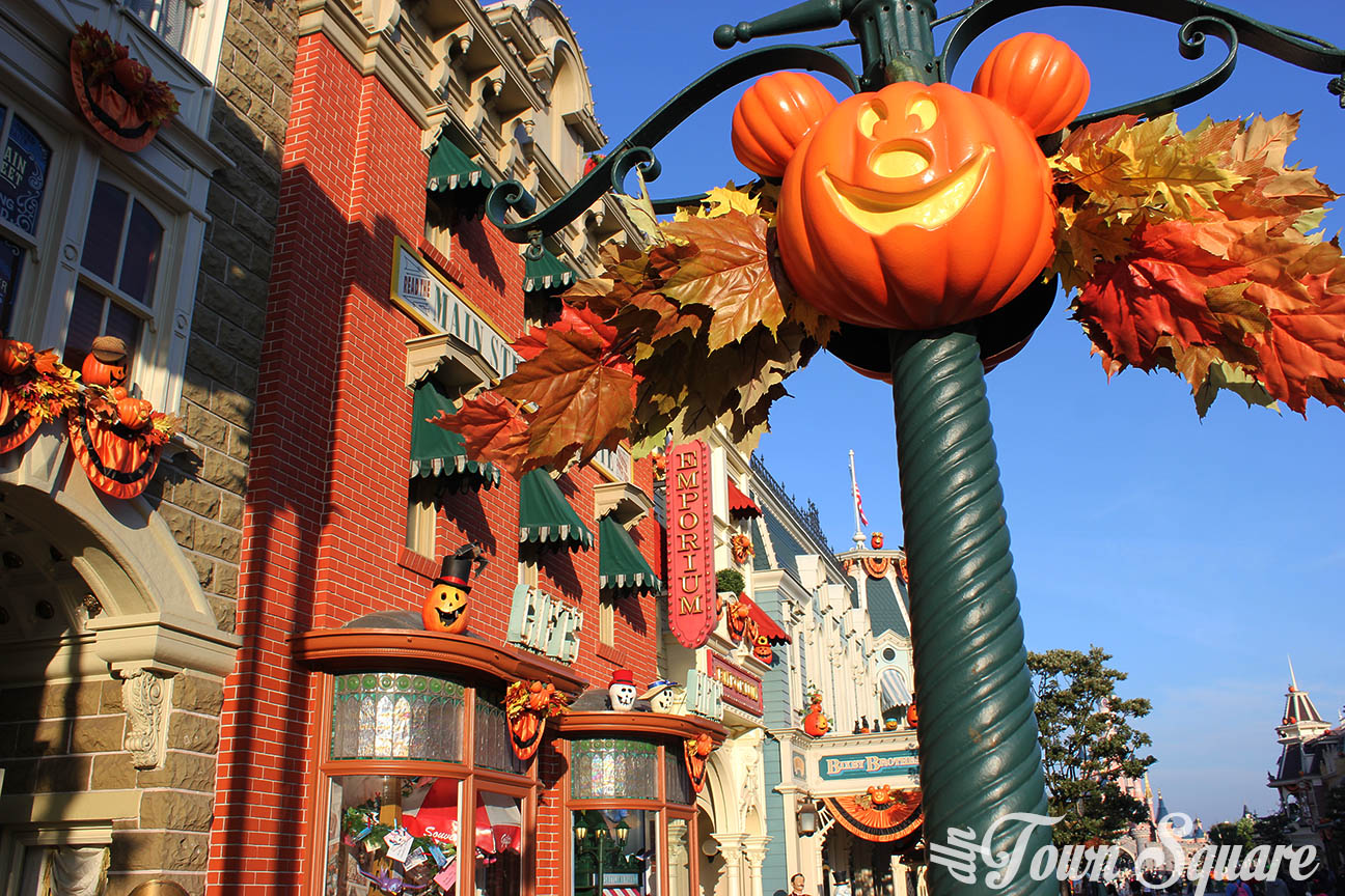 Halloween decorations on Main Street USA at Disneyland Paris