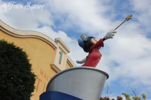 Sorcerer Mickey statue in Toon Studios, Walt Disney Studios Park