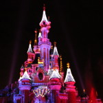 Olaf on the snowy Disneyland Paris castle