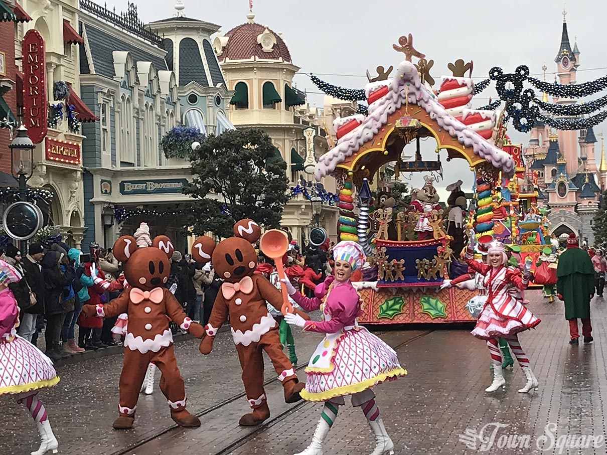 disneys christmas parade at disneyland paris