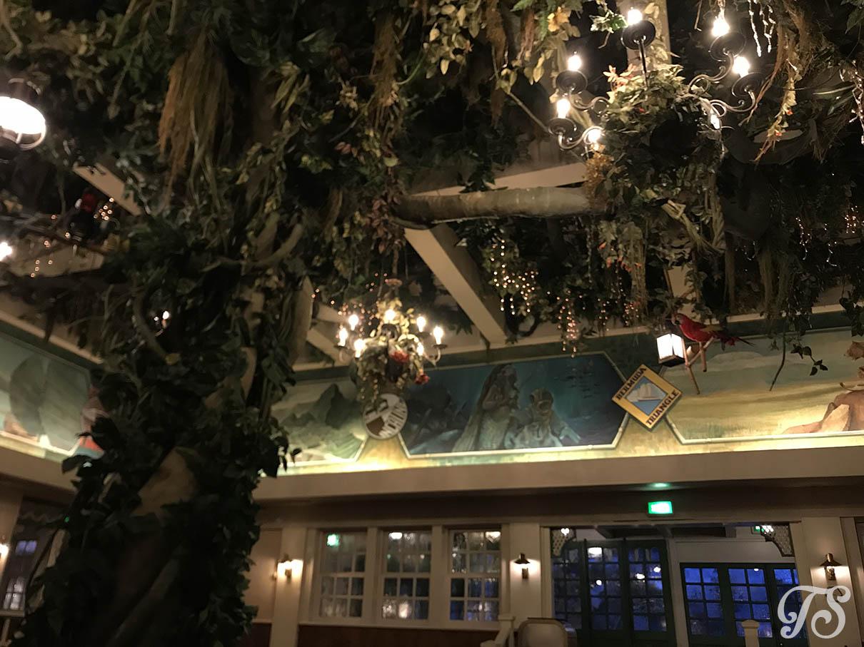 Colonel Hathi Pizza Outpost in Disneyland Paris