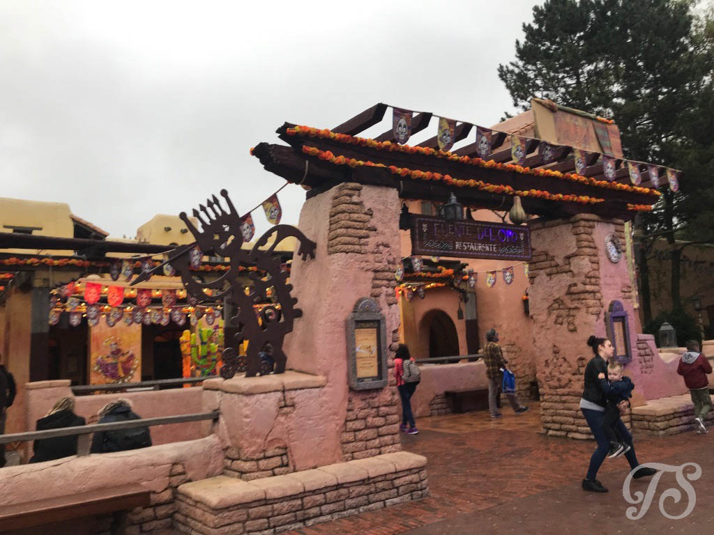 The Fuente del Oro in Disneyland Paris