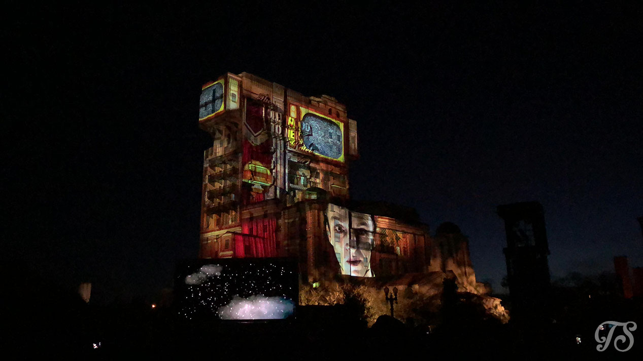 Hollywood Tower Hotel Gala Night at Disneyland Paris: Projection Show Bellhop