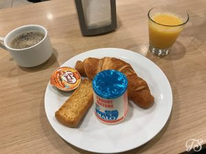 Breakfast Buffet selection at Hotel B&B Disneyland Paris