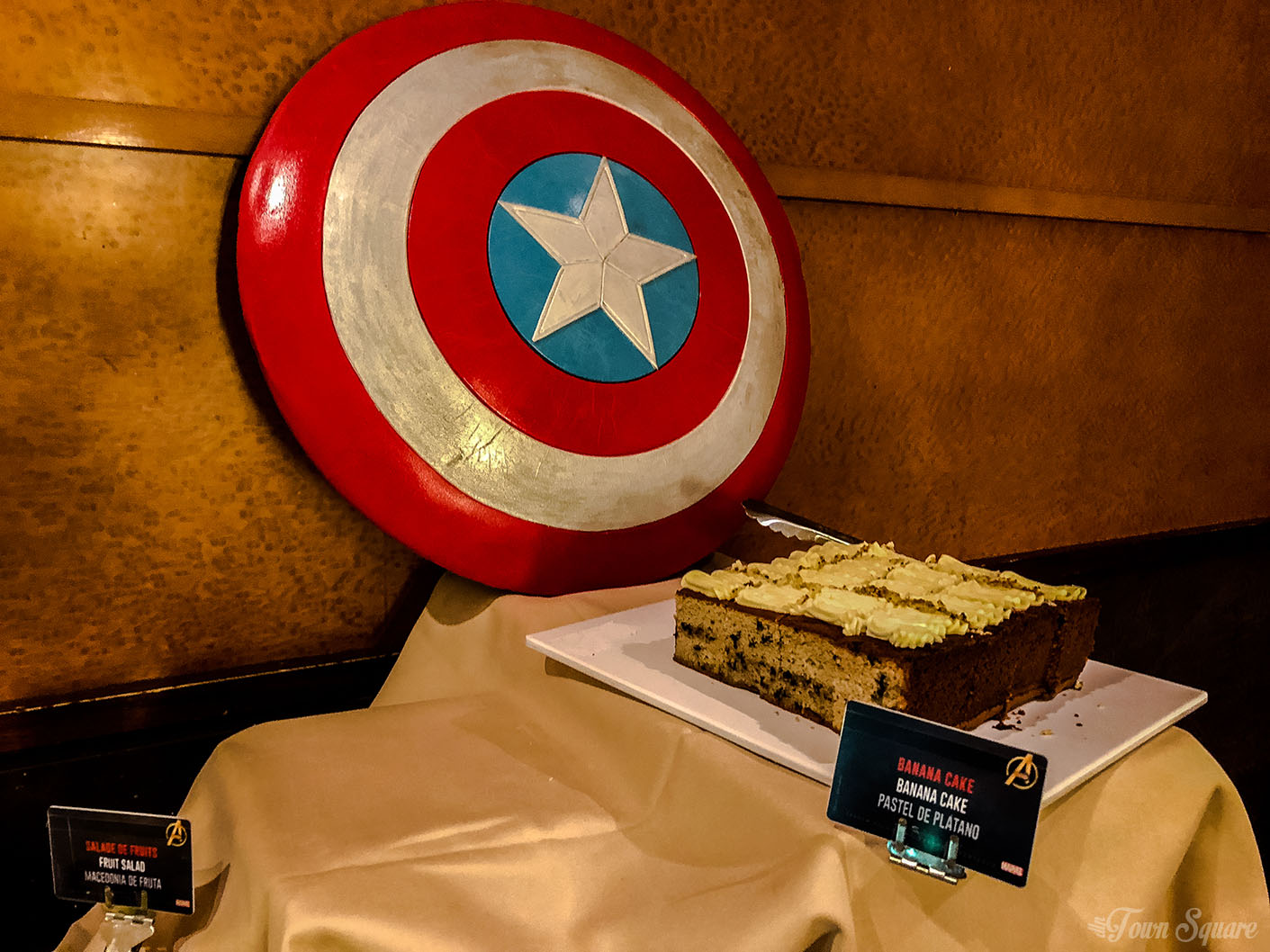 Marvel Signature Meal at Disneyland Paris - Cake