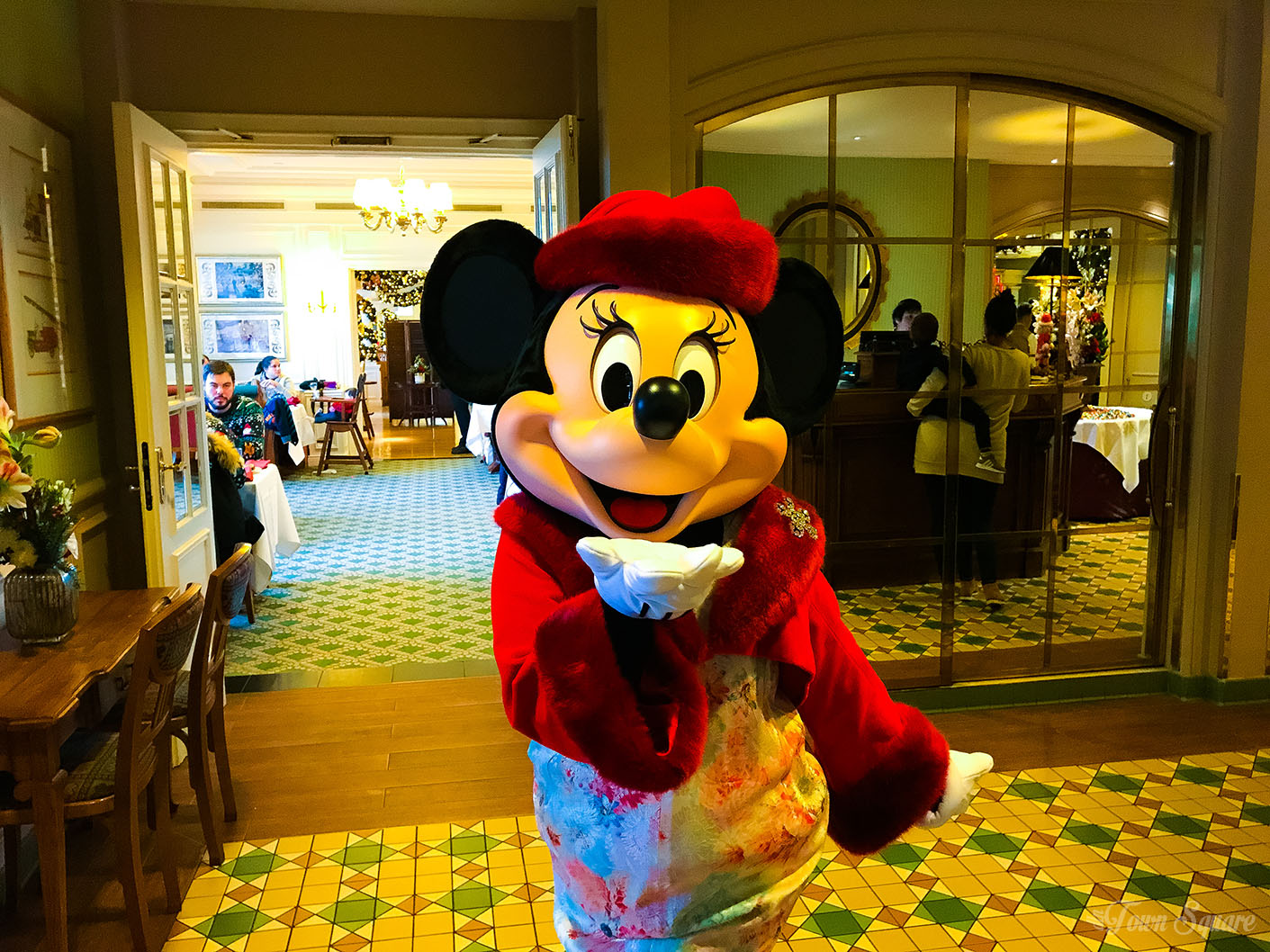 Minnie at the Disneyland Paris Sunday Brunch