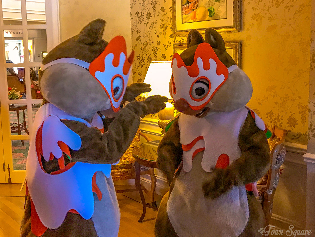 Chip and Dale at the Disneyland Paris Halloween Brunch