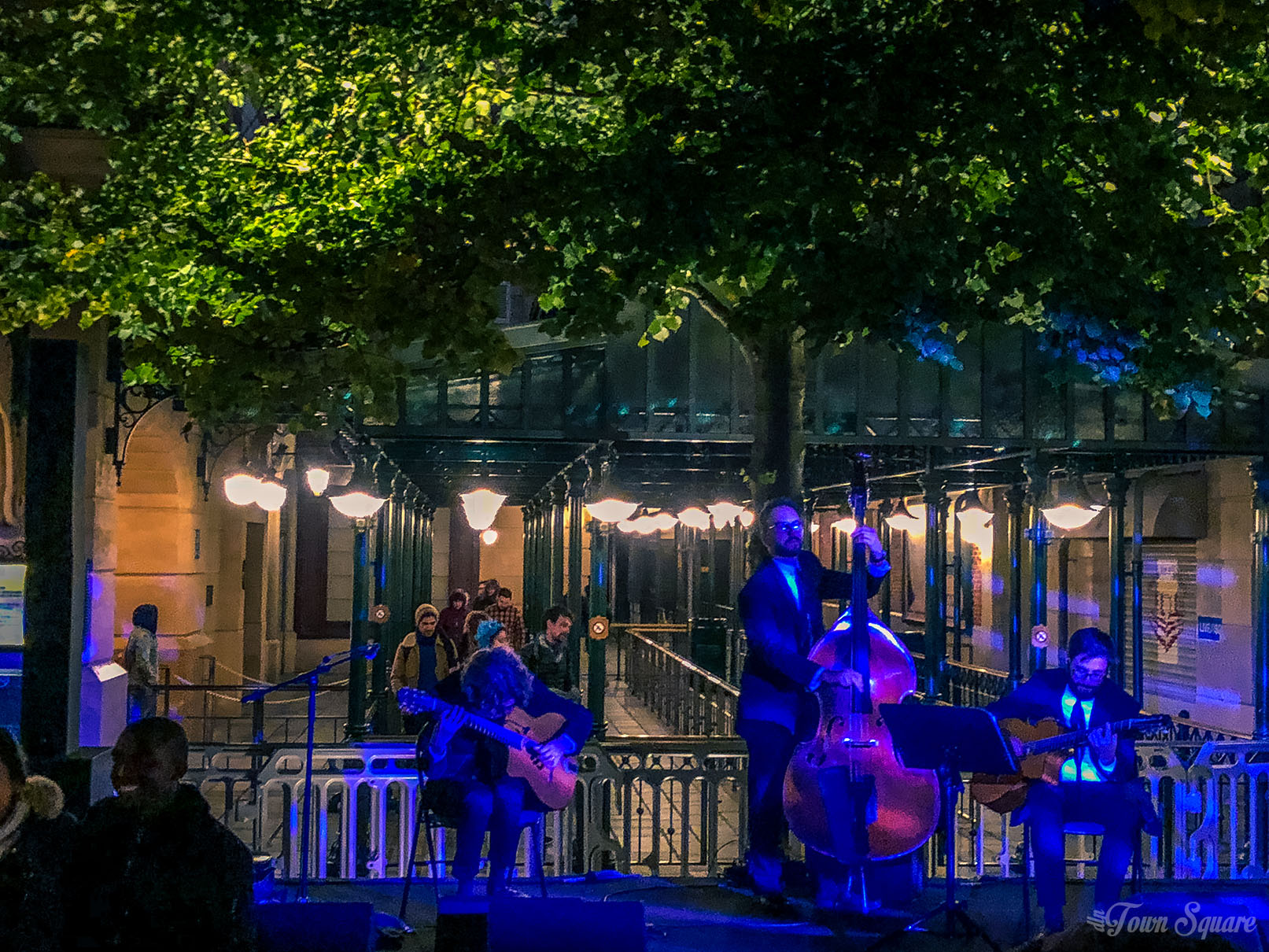 Disney Loves Jazz party - Musicians in La Place de Rémy