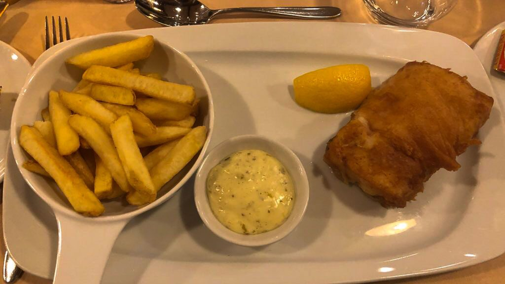 Cod and Chips at Yacht Club - Disneyland Paris