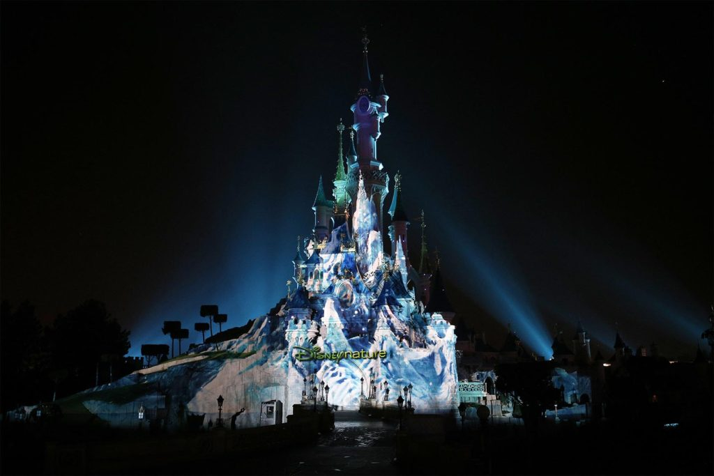 Life of Earth - Disneyland Paris nighttime show for Earth Month